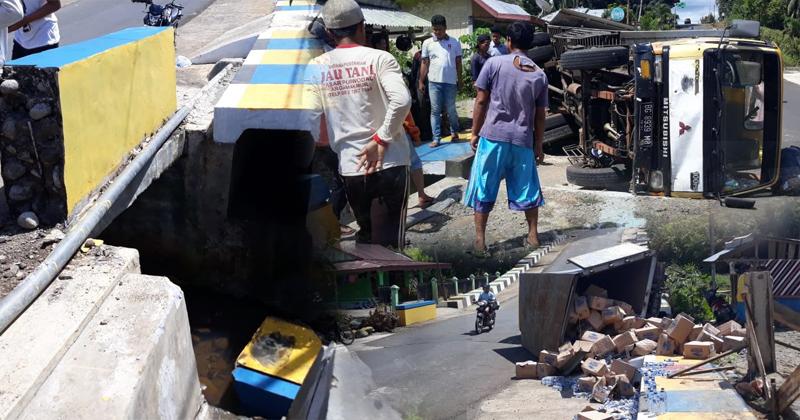 Truck pengangkut kemasan air kemasan Aqua, nyaris gilas IRT