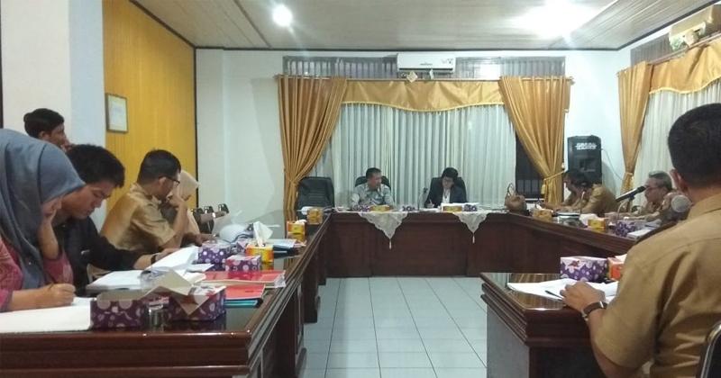 Hearing-Komisi-I-DPRD-dan-Dispendik-Bengkulu-Utara